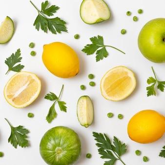 Kompozycja pysznych dojrzałych owoców