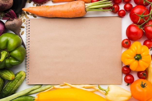 Kompozycja ramy wykonana z warzyw