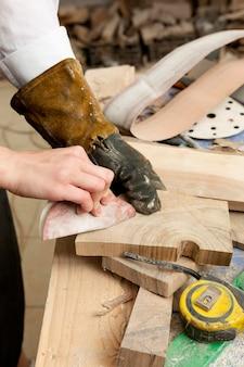 Kompozycja różnych elementów drewnianych
