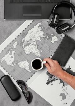 Kompozycja różnych elementów podróżujących