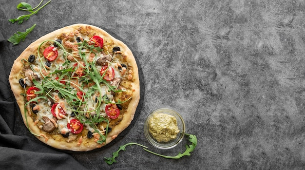 Kompozycja smacznej tradycyjnej pizzy