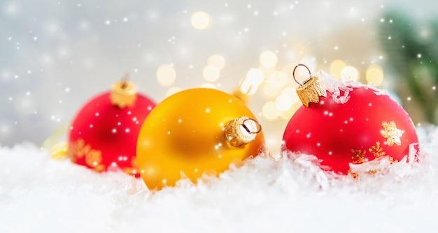 Kompozycja świąteczna z pięknym wystrojem