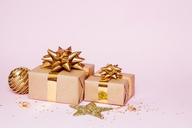 Kompozycja z życzeniami świątecznymi