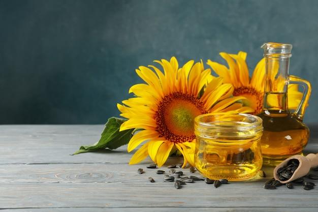 Kompozycja ze słonecznikiem, nasionami i olejem