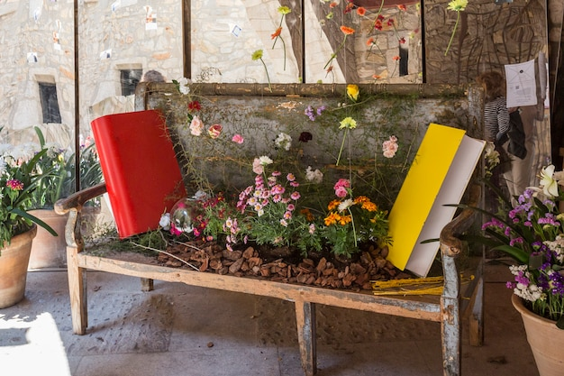 Kompozycje bukietów sztuki florystycznej na girona flower festival tiempo de flores