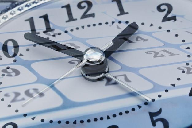 Kompozyt zegara i kalendarza