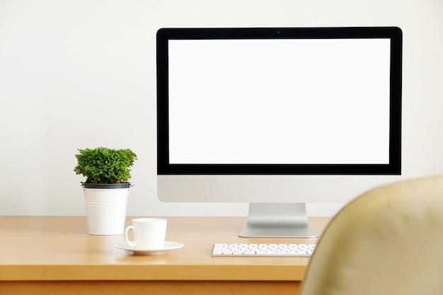 Komputer, komputer stacjonarny. dla biznesu, tło rozmycie kurtyny window.copy space.
