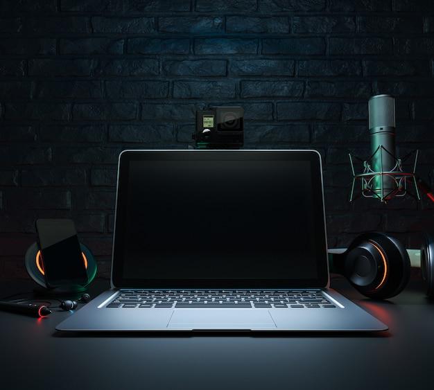 Komputer, mikrofon, słuchawki na żywo.