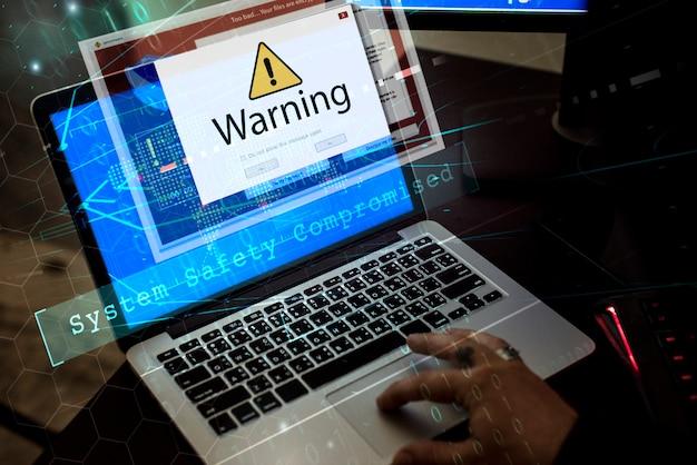 Komputer z ostrzeżeniem pop-up szyldowym okno