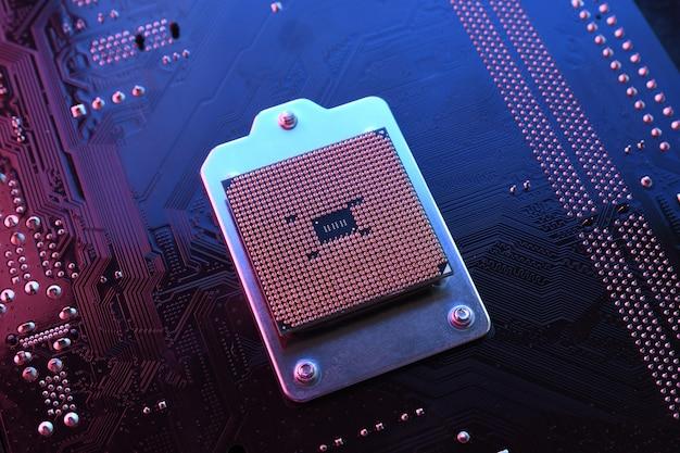 Komputerowy układ procesora cpu na płytce drukowanej, płyta główna