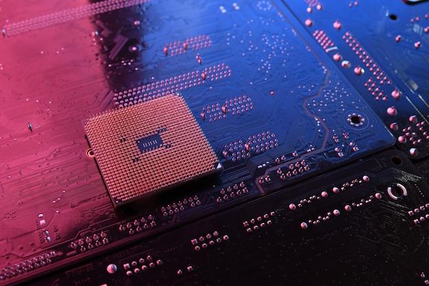 Komputerowy układ procesora cpu na płytce drukowanej