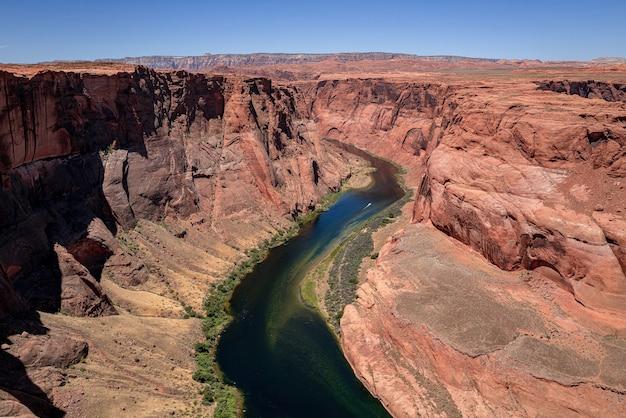 Koncepcja amerykańskich wakacji przygoda. kanion. canyon adventure travel relax koncepcja. park narodowy. piękny widok na horseshoe bend.