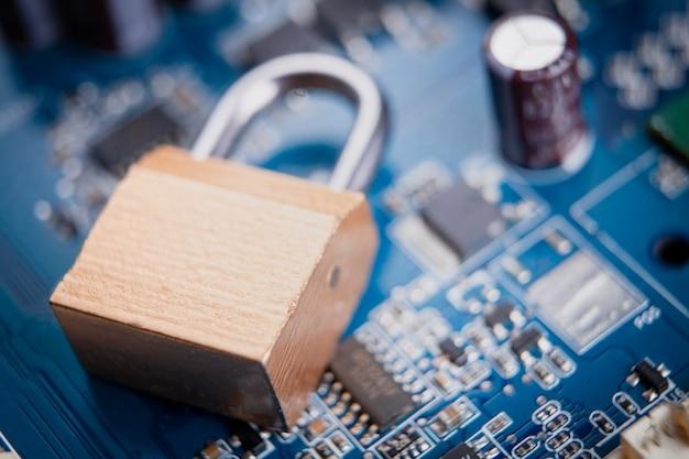 Koncepcja bezpieczeństwa komputera i internetu.