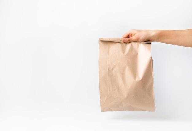 Koncepcja bezpiecznych zakupów, dostawa. coronavirus 2019-ncov.