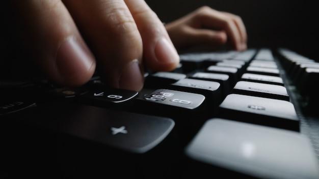 Koncepcja biznesowa programowania i marketingu online.