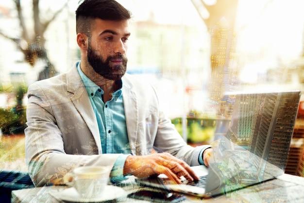 Koncepcja biznesowa przyszłość technologii hologram wirtualna rzeczywistość.