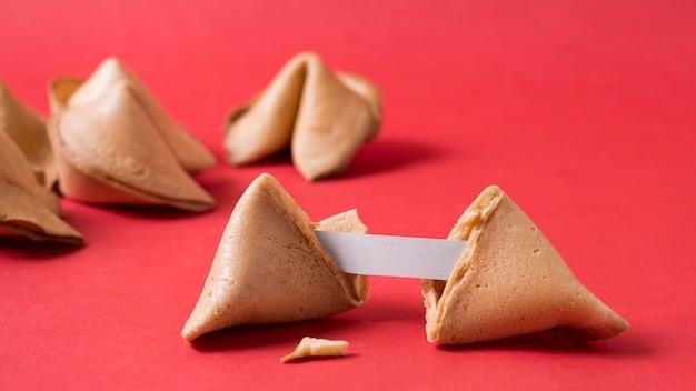 Koncepcja chińskiego nowego roku z ciasteczkami szczęścia