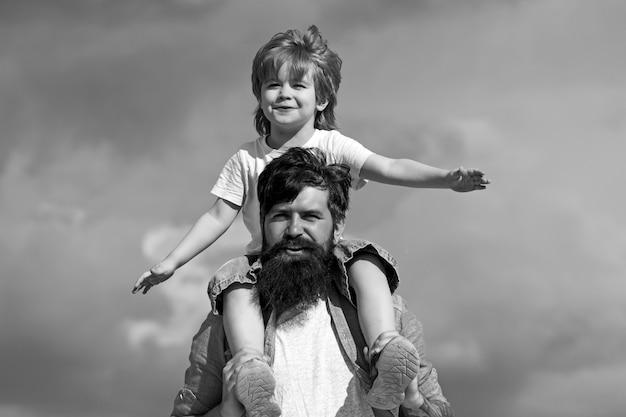 Koncepcja dnia ojców. ojciec i syn razem.