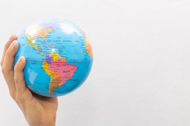 Koncepcja dnia ziemi. koncepcja światowego dnia zdrowia. kochaj świat.