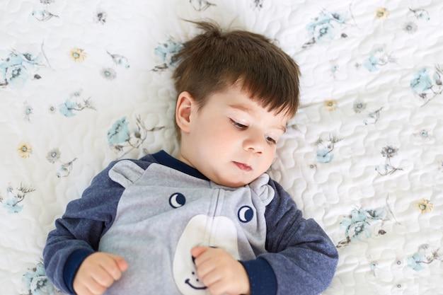 Koncepcja dzieci i relaksu.