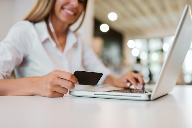 Koncepcja e-commerce.