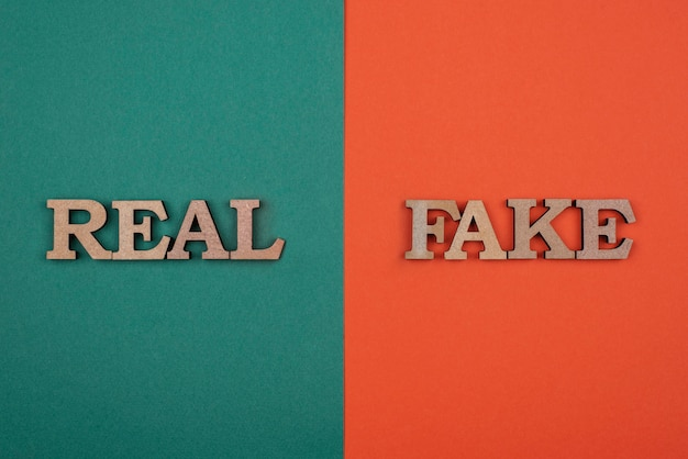 Koncepcja fałszywych wiadomości płaska leżała
