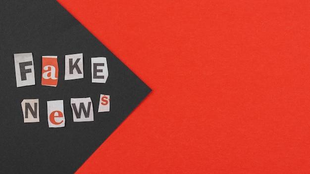 Koncepcja fałszywych wiadomości z miejsca na kopię powyżej widoku