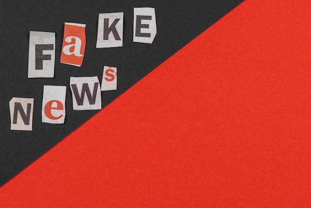 Koncepcja fałszywych wiadomości z płaską powierzchnią kopii