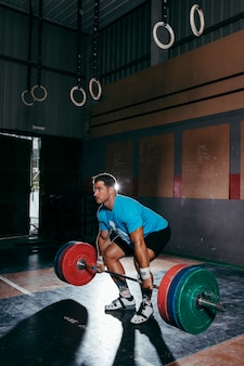 Koncepcja gym i barbell