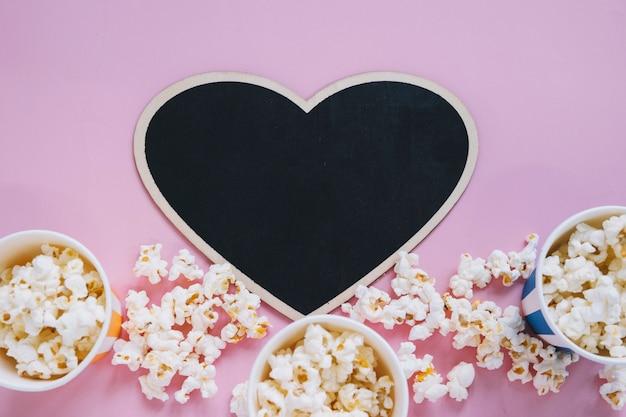 Koncepcja kina z łupków w kształcie serca