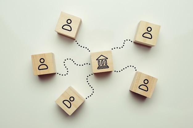Koncepcja klientów odwiedzających bank w celu uzyskania usług finansowych i kredytowych.