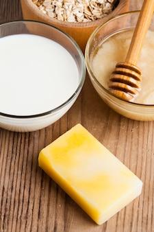 Koncepcja kosmetyków naturalnych: mydło domowej roboty