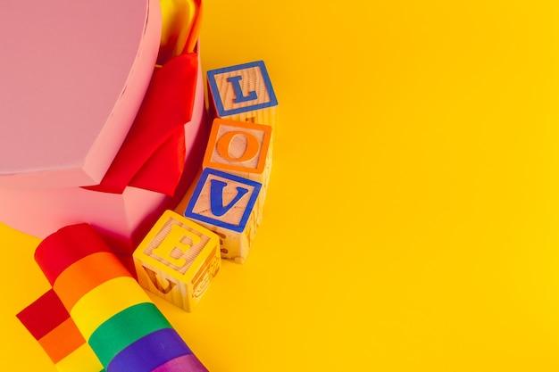 Koncepcja lgbt, miłość tekstu, flaga lgbt