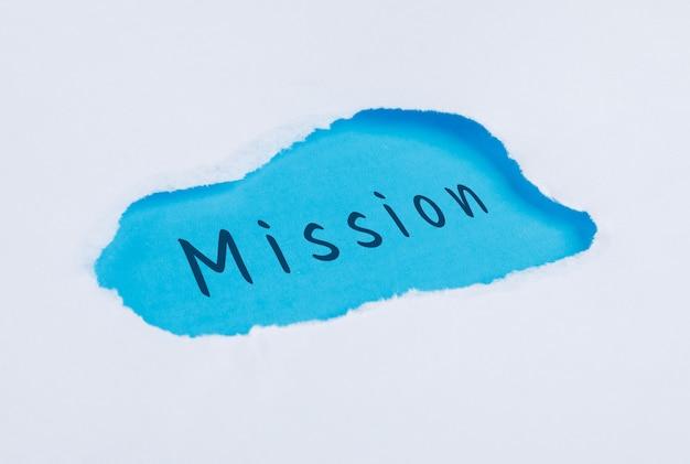 Koncepcja marketingu z płaskim layem słowa misji.