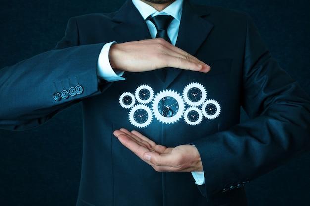 Koncepcja mechanizmu pracy biznesowej na niebieskim tle