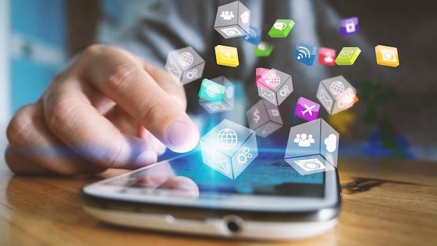 Koncepcja mediów społecznościowych. marketing medialny.