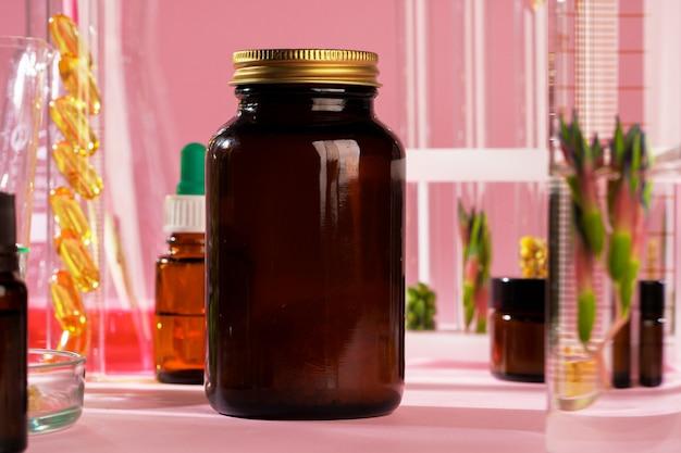 Koncepcja medycyny alternatywnej. naturalny ziołowy lek homeopatyczny