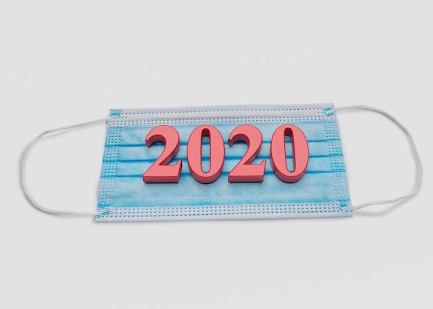 Koncepcja medyka. liczby lat znajdują się na masce medycznej