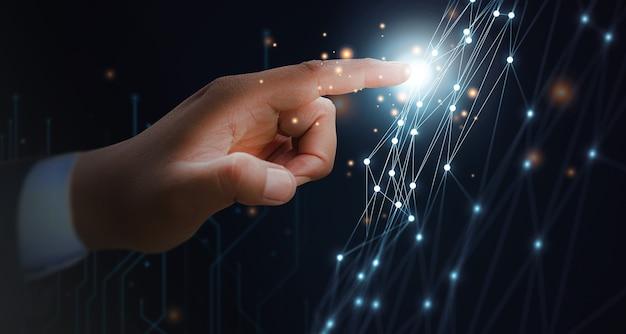 Koncepcja męskiej dłoni cyfrowej transformacji sieci nowej generacji