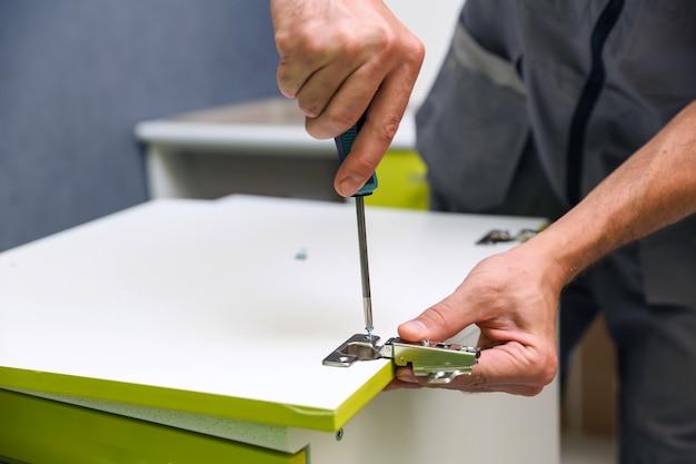 Koncepcja montażu mebli z bliska usługa montażu mebli