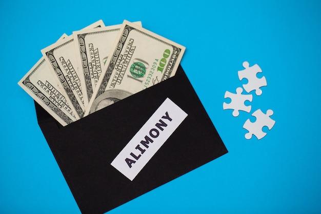 Koncepcja płacenia za elementy, pieniądze w papierowej kopercie