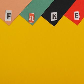 Koncepcja płaskich fałszywych wiadomości z kopiowaniem przestrzeni