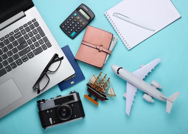 Koncepcja podróży. obliczanie kosztów wakacji.