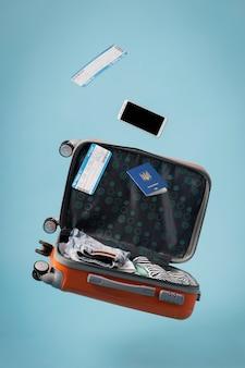 Koncepcja podróży z otwartym bagażem