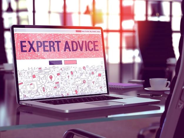 Koncepcja porady ekspertów - zbliżenie na stronie docelowej ekranu laptopa w nowoczesnym biurze pracy. stonowany obraz z selektywną ostrością. renderowanie 3d.