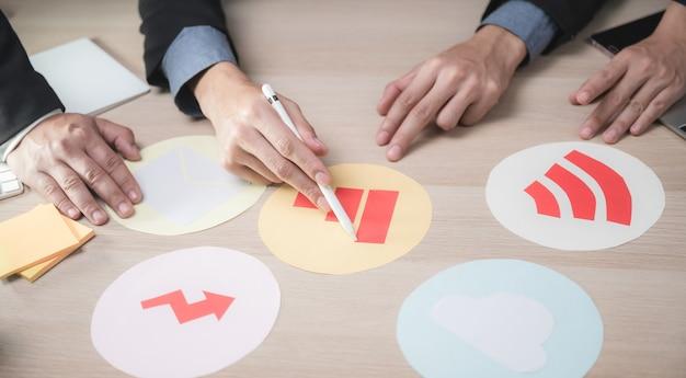 Koncepcja pracy zespołowej pracownika biznesu