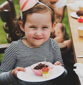 Koncepcja przyjęcia szczęścia dzieci