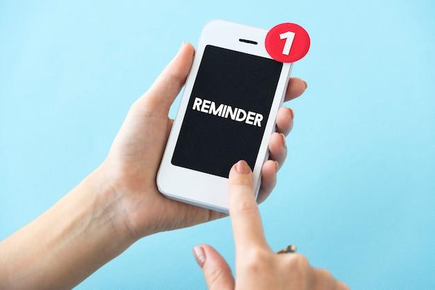 Koncepcja przypomnienia wyskakującego alertu e-mail