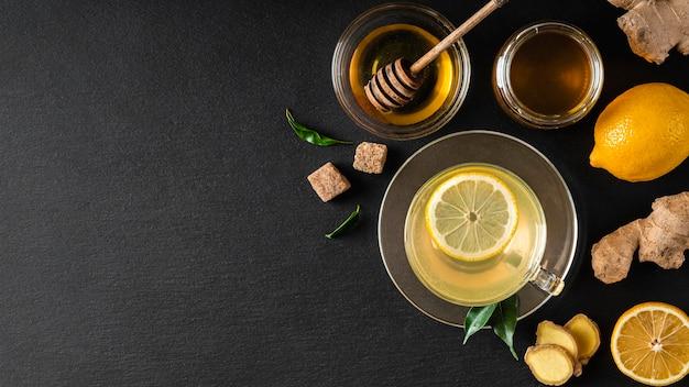 Koncepcja pysznej i zdrowej herbaty z miejsca na kopię