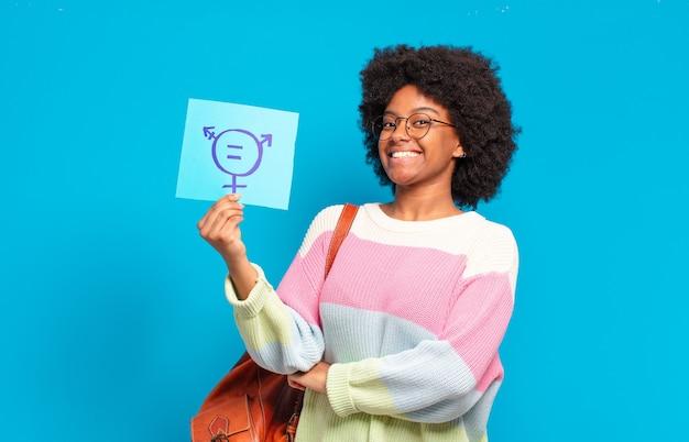 Koncepcja równości młoda kobieta całkiem afro